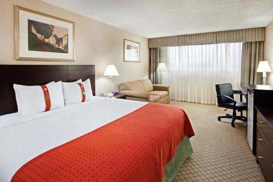 Johnson City, TN: King Room with a Sofa Bed
