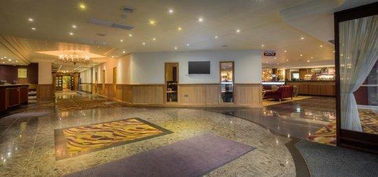 Hilton Warwick / Stratford-upon-Avon: Lobby
