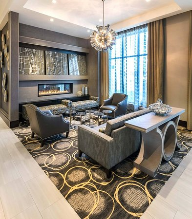 Chelsea, MA : Lobby Seating Area