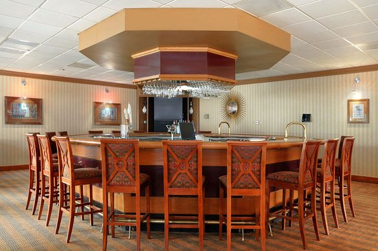 Oak Ridge, TN: Burchfield Lounge