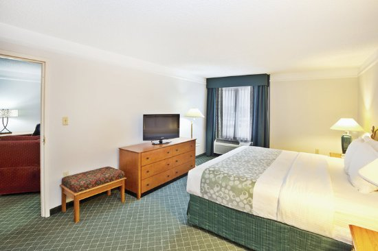 Sharonville, OH: Suite