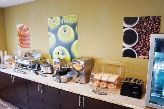 La Quinta Inn & Suites Emporia: PropertyAmenity