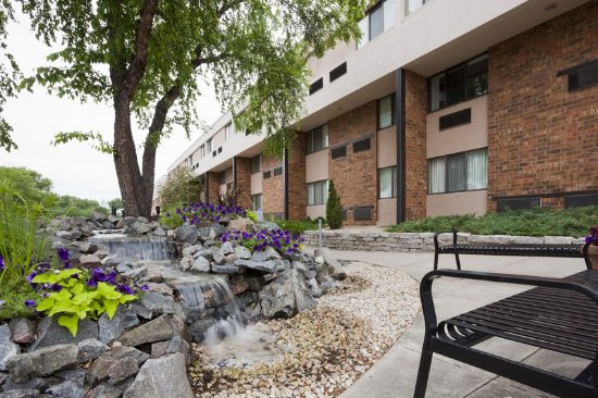 Сент-Клауд, Миннесота: Welcome to the Holiday Inn Hotel & Suites St. Cloud.