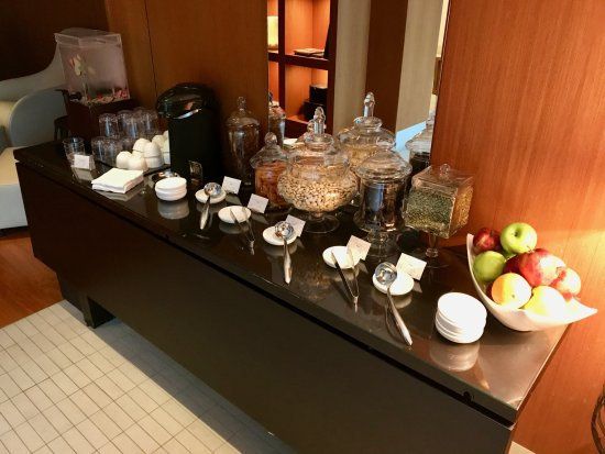Fairmont Pacific Rim: Snacks inside the mens' spa relaxation area.