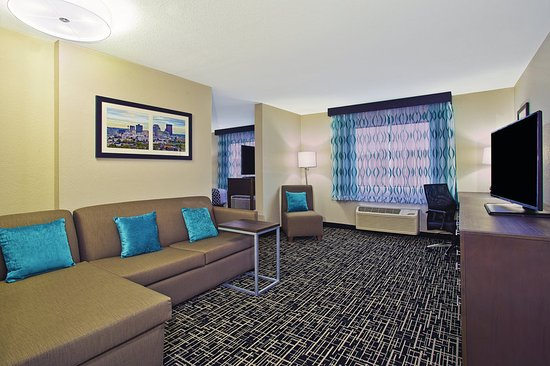 Fairborn, OH: Suite