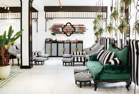 NATUR'L Beauty Lounge