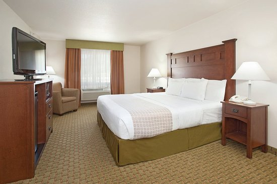 Grants Pass, OR: Guest Rooms Meant for You