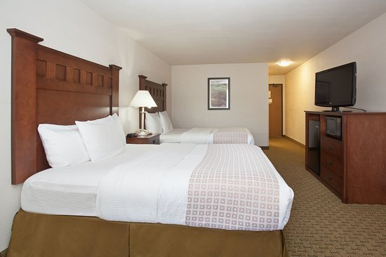 Grants Pass, OR: Accessible Double Queen Guest Room