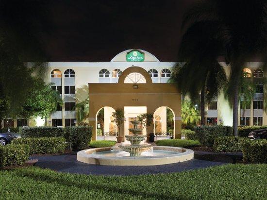 Miami Lakes, FL: ExteriorView