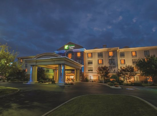 Cheektowaga, NY: Welcome to the Holiday Inn Express Buffalo Airport.