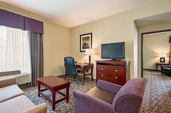 Richland Hills, TX: Suite