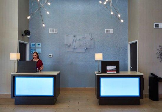 Pelham, AL: Reception Desk