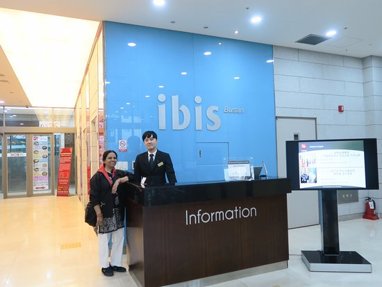 ibis Ambassador Busan City Centre: Hotel Information Desk at the ground floor