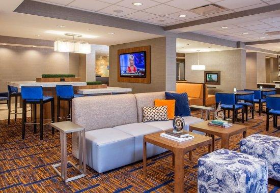 Vestal, NY: Lobby - Seating Area