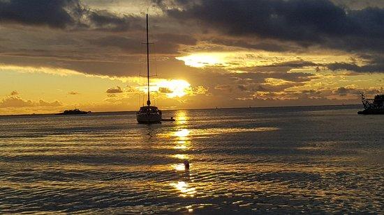 Bora Bora Yacht Club Amazing Sunset