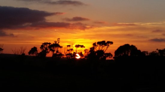 Discovery Lagoon Caravan & Camping Grounds: Sunset at The Camp Grounds