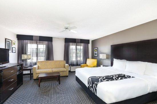 Delafield, WI: Suite