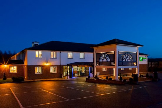 Upper Harbledown, UK: Holiday Inn Express Canterbury offers comfort at a low price