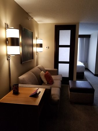 Hyatt Place Denver-South/Park Meadows: King bedroom