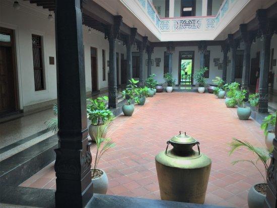 Kanadukathan, India: Courtyard at Visalam