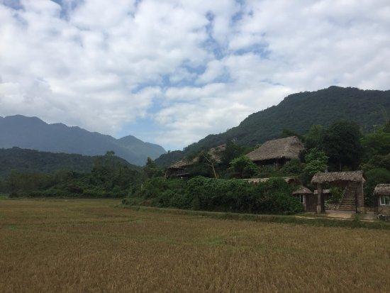 Mai Chau, Vietnam: Resort view