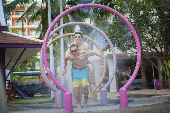 Mercure Pattaya Hotel: Aqua Slides