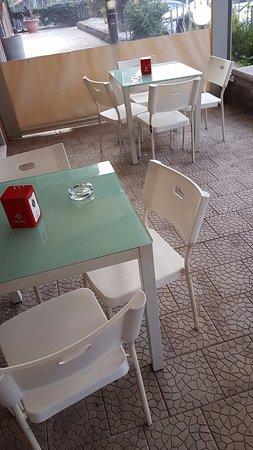 Cafe Dabeca: Esterno