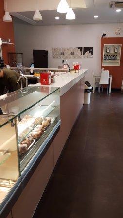 Cafe Dabeca: Bancone
