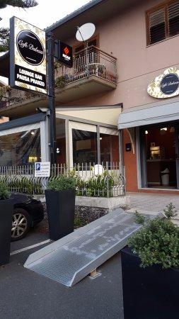 Cafe Dabeca: Ingresso