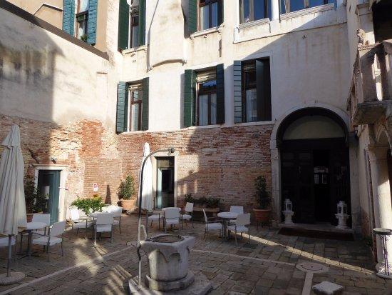 Palazzo contarini della porta di ferro updated 2017 - Hotel della porta ...