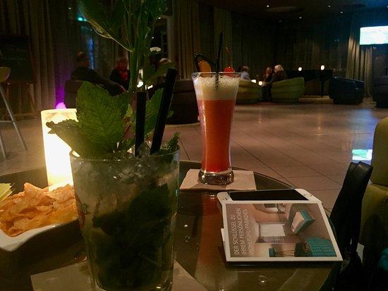 Gross Nemerow, Germania: Die Bar bietet wirklich gute Cocktails und sehr freundliches Personal ...
