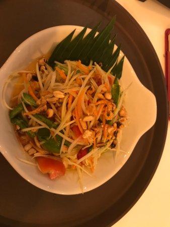 Lotus Samui: Papaya Salad