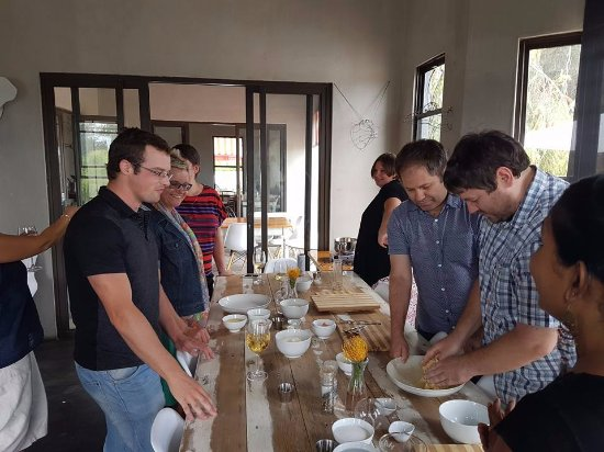 Riebeek-West, Νότια Αφρική: A whole staff come and discover a new side of each other