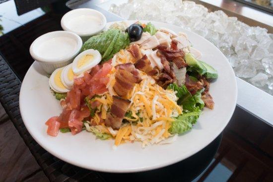 Belmont, Kalifornia: Cobb Salad is delicious!