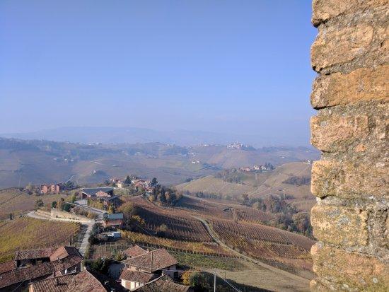 Серралунга-д'Альба, Италия: Castello di Serralunga d'Alba