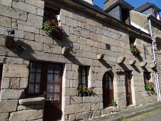 Maison ancienne - Bild von Centre Historique de Pont-Aven, Pont-Aven ...
