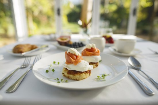 The Last Word Constantia: Breakfast is included in our rate.