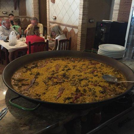 Fortuna, España: Arroz preparado listo para comer. Especialidad en arroces