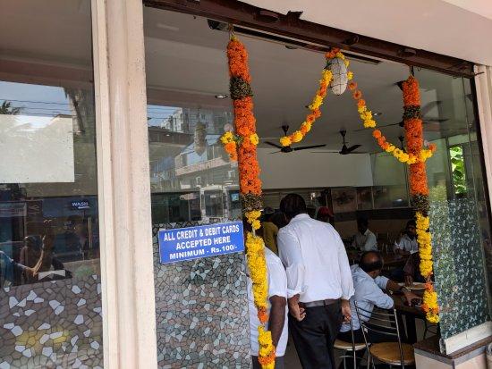 Tripunithura, Indien: Welcoming