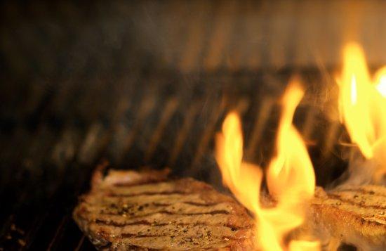 Appledore, UK: Flaming steaks