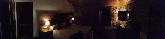 Montenegro de Cameros, Spain: La acogedora habitación