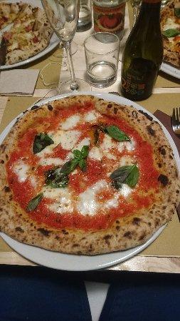 Mongardino, Italië: DSC_1084_large.jpg