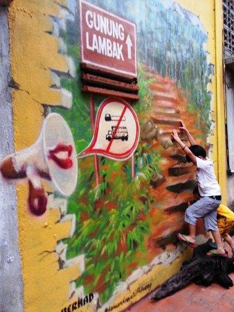 The Famous Lambak Mountain In Kluang Picture Of Street Art Kluang Tripadvisor
