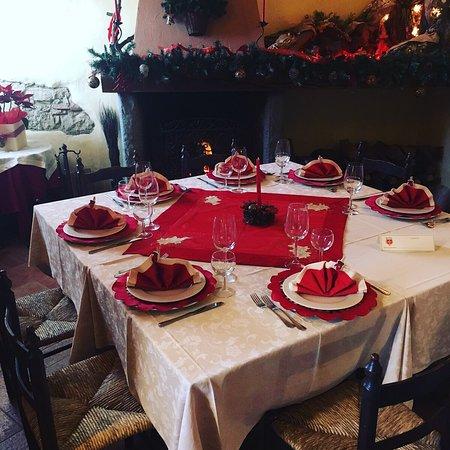 Castellina Marittima, อิตาลี: enoteca  nel periodo natalizio  con il caminetto  con disponibilita' di camere