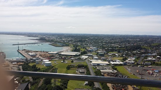 Sugar Loaf Islands and Paritutu Rock: Look upon New Plymouth