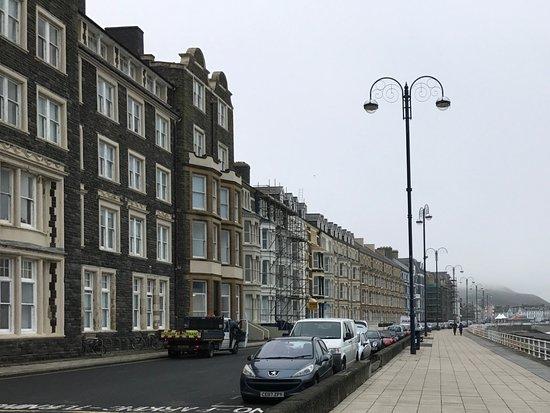 Aberystwyth, UK: Wide promenade