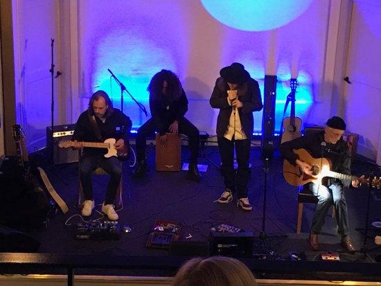 Norrtalje, Sweden: John Holm med band.