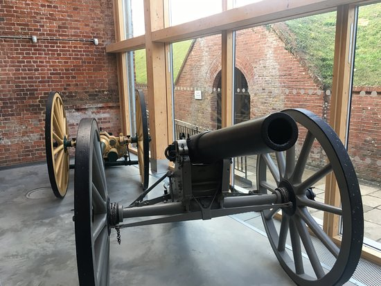 Royal Armouries - Fort Nelson: Gallery arms collection