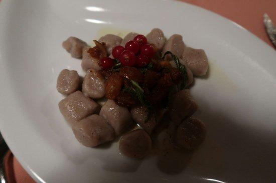 Maggia, Schweiz: Gnocchetti di castagne