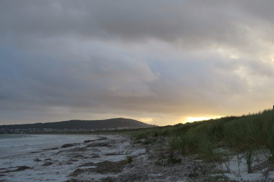 Albany, Australia: Watching the sun set sitting on the beach at Emu Point